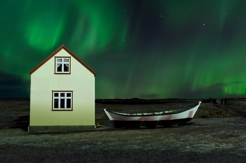 IS aurora borealis 2162 1280